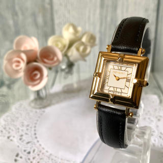 サンローラン(Saint Laurent)の【美品】Yves Saint Laurent 腕時計 ゴールド スクエア 金(腕時計)