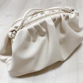 ボッテガヴェネタ(Bottega Veneta)の本革 牛革 高級レザー 新品ショルダーバッグ(ショルダーバッグ)