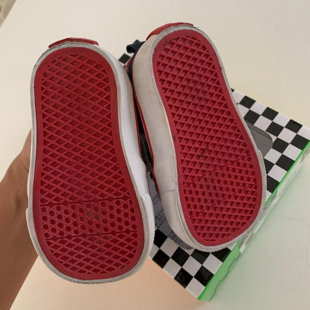 VANS(ヴァンズ)のバンズ スリッポン くつ キッズ キッズ/ベビー/マタニティのベビー靴/シューズ(~14cm)(スリッポン)の商品写真