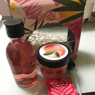 ザボディショップ(THE BODY SHOP)の新品未使用⭐️the body shop ピンクグレープフルーツ ギフトセット(ボディクリーム)
