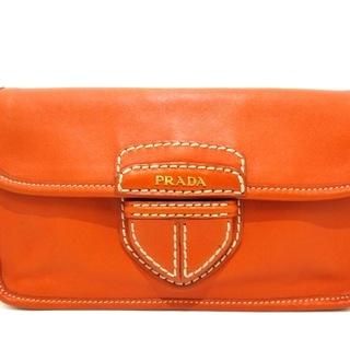 プラダ(PRADA)のプラダ クラッチバッグ - オレンジ 革タグ(クラッチバッグ)