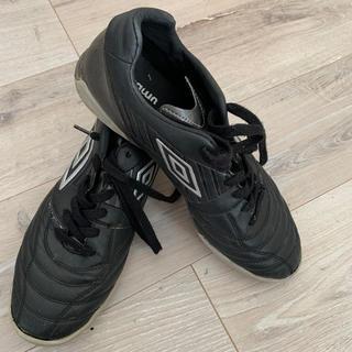 アンブロ(UMBRO)の値 アンブロサッカー トレーニングシューズ アクセレイター  26cm(シューズ)