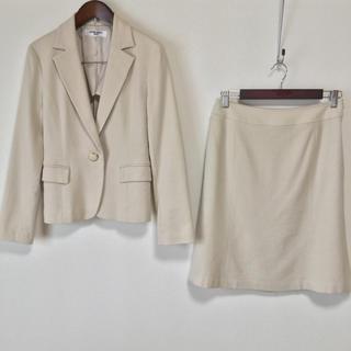 ナチュラルビューティーベーシック(NATURAL BEAUTY BASIC)のナチュラルビューティーベーシック スカートスーツ M/L 超美品 OL 入学式(スーツ)
