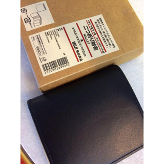 ムジルシリョウヒン(MUJI (無印良品))の【新品】MUJI イタリア産ヌメ革 二つ折り財布 (折り財布)