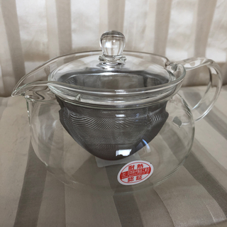 ハリオ(HARIO)のハリオ ガラス 耐熱ポット 新品未使用 急須 茶こし付き HARIO 450ml(テーブル用品)