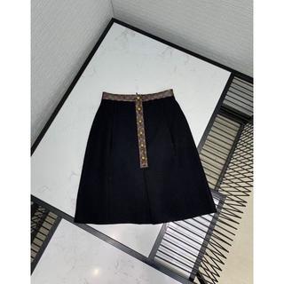 ルイヴィトン(LOUIS VUITTON)のルイヴィトン モノグラム トリム Aライン スカート ブラック(ミニスカート)