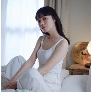 ラヴィジュール(Ravijour)の【新品未使用】カップ付きタンク 卯の花色 白 ホワイト junko kato(タンクトップ)