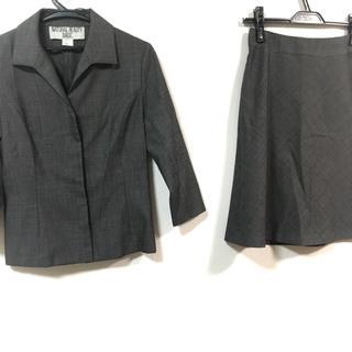ナチュラルビューティーベーシック(NATURAL BEAUTY BASIC)のナチュラルビューティー ベーシック 黒×白(スーツ)