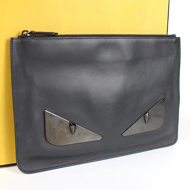 FENDI(フェンディ)のFENDI フェンディ メンズ モンスター クラッチ グレー メンズのバッグ(セカンドバッグ/クラッチバッグ)の商品写真
