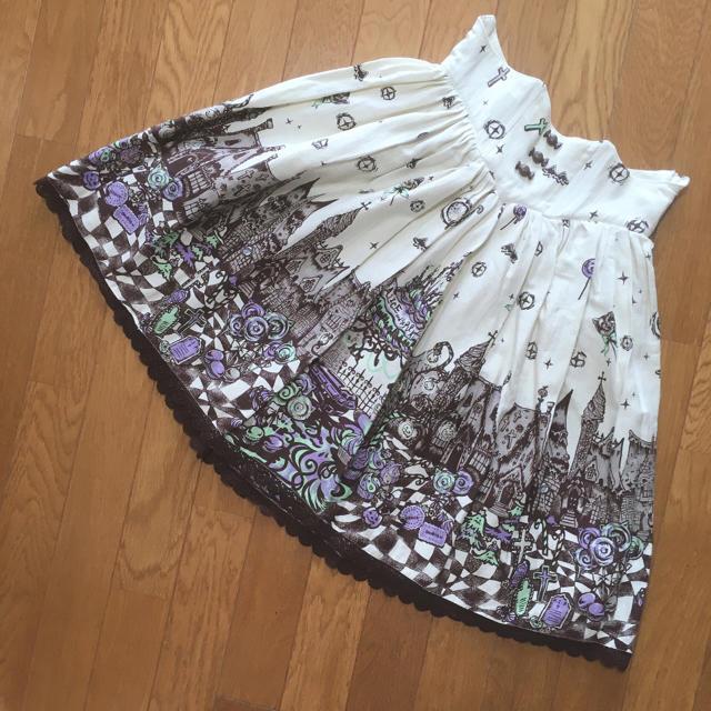 ALICE and the PIRATES(アリスアンドザパイレーツ)のギルティメルティスイーツタウン柄スカート レディースのスカート(ひざ丈スカート)の商品写真
