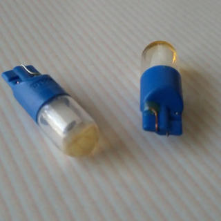 ボッシュ(BOSCH)のボッシュ オプティマ LEDバルブ T10   ブルー 2個入(パーツ)