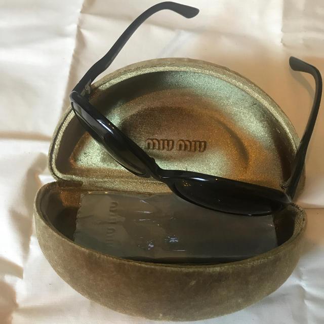 miumiu(ミュウミュウ)のmiumiuサングラス レディースのファッション小物(サングラス/メガネ)の商品写真