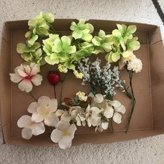 造花  スワッグ 花材 あじさい 苺 シロツメクサ  シルクフラワー(ドライフラワー)