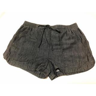 ビーシービージーマックスアズリア(BCBGMAXAZRIA)のBCBG ショートパンツ 短パン 膝上 デニム(ショートパンツ)