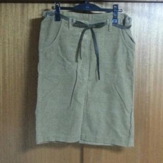 ツモリチサト(TSUMORI CHISATO)のツモリチサトコーデュロイスカート(ひざ丈スカート)