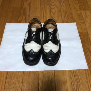 ドクターマーチン(Dr.Martens)のDr. martens サイズ6 白黒シューズ(ドレス/ビジネス)