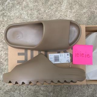 シュプリーム(Supreme)の限定カラー adidas YEEZY SLIDE EARBRN  FV8425(サンダル)
