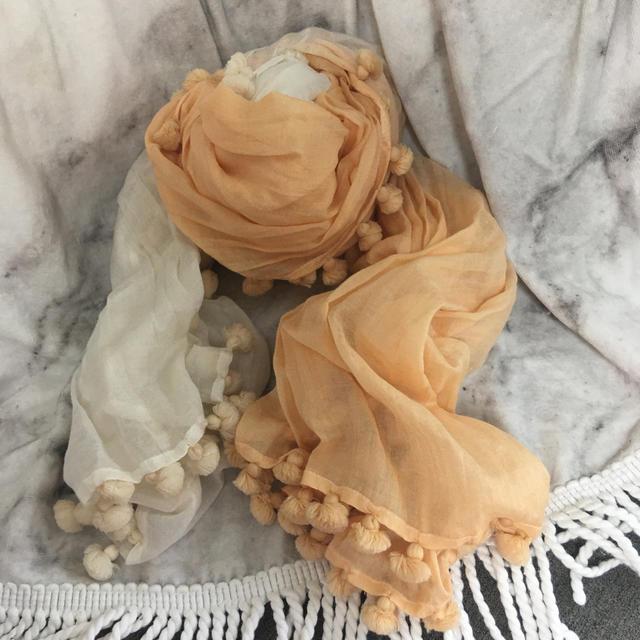 CITRUS NOTES(シトラスノーツ)のシトラス オレンジ×白ストール レディースのファッション小物(ストール/パシュミナ)の商品写真