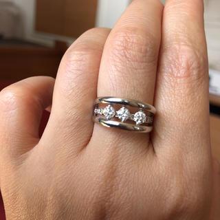 エステルドバルローズ(ESTELLE DE VALROSE)の定価20万以上 k18WG 0.5ct 個性的なスイングダイヤモンドリング(リング(指輪))