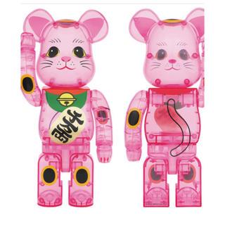 BE@RBRICK 招き猫 桃色透明 400%(フィギュア)