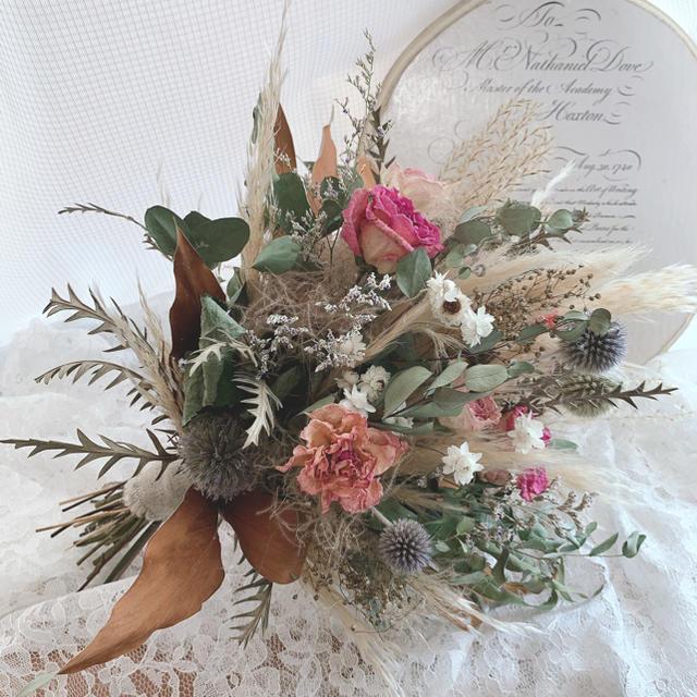 パンパスグラス・薔薇のネイティブフラワーブーケ インテリア 前撮り ウエディング ハンドメイドのフラワー/ガーデン(ドライフラワー)の商品写真