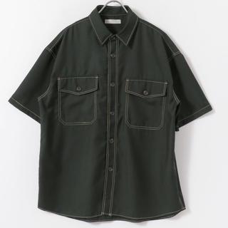 センスオブプレイスバイアーバンリサーチ(SENSE OF PLACE by URBAN RESEARCH)の【美品】アーバンリサーチ ステッチアウトCPOシャツ(5分袖) 緑 グリーン(シャツ)