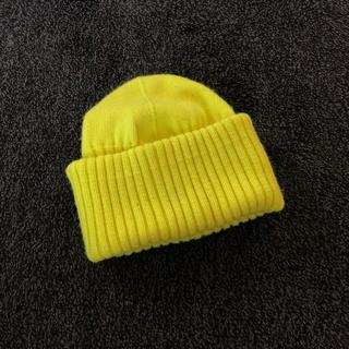 ユニクロ(UNIQLO)のUNIQLOU ピーニー ニット帽 蛍光黄色(ニット帽/ビーニー)