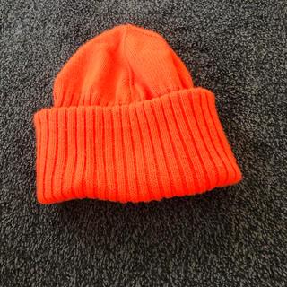 ユニクロ(UNIQLO)のUNIQLOU ピーニー ニット帽 蛍光オレンジ(ニット帽/ビーニー)