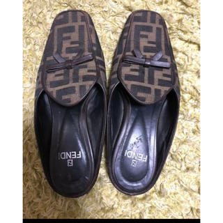 フェンディ(FENDI)のFENDI靴(ハイヒール/パンプス)
