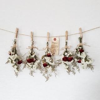 真っ赤なミニバラと小花の可憐ドライフラワーガーランド*アンティークタグ付き(ドライフラワー)