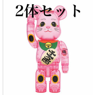 メディコムトイ(MEDICOM TOY)のBE@RBRICK 招き猫 桃色透明 400% 2体セット ベアブリック(その他)