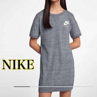 ナイキ(NIKE)の《新品/M》NIKE ワンピース スポーツウェア Tシャツ ダンス トレーニング(ひざ丈ワンピース)