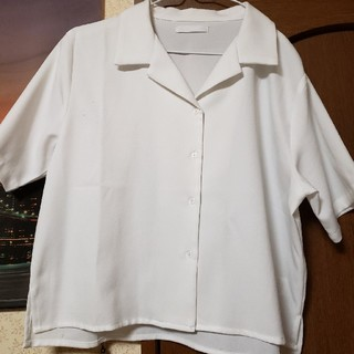スピンズ(SPINNS)のスピンズ トップス オープンシャツ(シャツ/ブラウス(半袖/袖なし))