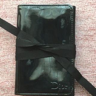 ディオール(Dior)のノベルティエナメルメイクポーチDior1点(ノベルティグッズ)