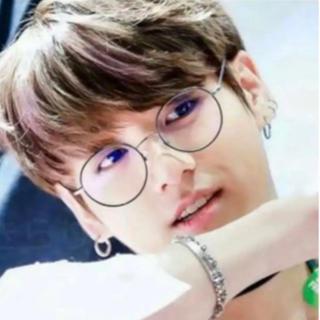 ボウダンショウネンダン(防弾少年団(BTS))の韓国で大人気 BTS着用同型 韓国ブルーライトカットメガネ グク ジミン サナ(サングラス/メガネ)