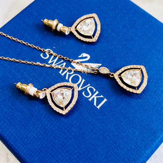 スワロフスキー(SWAROVSKI)のスワロフスキー ネックレス ピアス セット 正規品 SWAROVSKI(ネックレス)