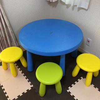 イケア(IKEA)の★イケア★ムンマット★キッズテーブル&チェア3脚セット(ダイニングテーブル)