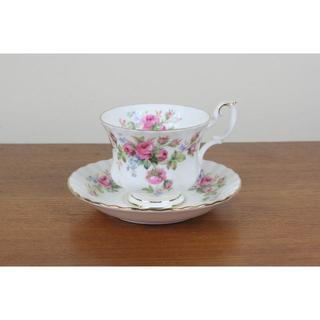 ロイヤルアルバート(ROYAL ALBERT)のロイヤルアルバート モスローズ 薔薇 デュオ ティーカップ コーヒーカップ(食器)