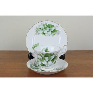 ロイヤルアルバート(ROYAL ALBERT)のロイヤルアルバート トリリウム トリオ ティーカップ ケーキ皿 白 花柄(食器)