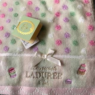 ラデュレ(LADUREE)のLADUREE♥︎タオルハンカチ(ハンカチ)