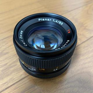 キョウセラ(京セラ)の銘玉 カールツァイス planar 50mm  F1.4 AEJ  フード付き(レンズ(単焦点))