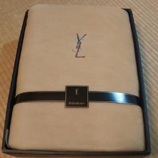 イヴサンローランボーテ(Yves Saint Laurent Beaute)のイブサンローラン  ボアシーツ(シーツ/カバー)