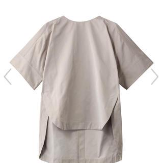 アドーア(ADORE)の新品 LPHIL ルフィル ブラウス(シャツ/ブラウス(半袖/袖なし))