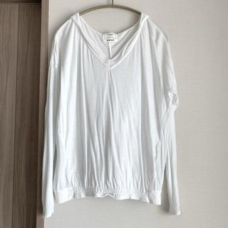 プラステ(PLST)の白パーカーTシャツトップス カットソーPLST(カットソー(長袖/七分))