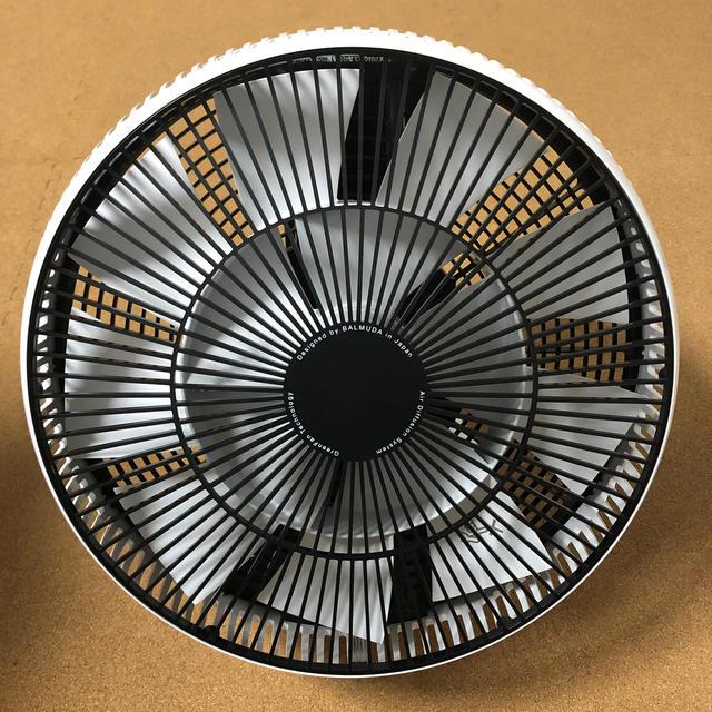 BALMUDA(バルミューダ)のBALMUDA サーキュレーター EGF-3300-WK  スマホ/家電/カメラの冷暖房/空調(サーキュレーター)の商品写真