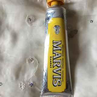 マービス(MARVIS)のMarvis 限定 イエロー マンゴー✨(歯磨き粉)