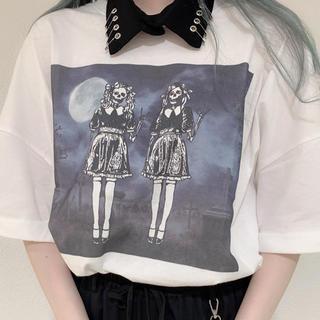 アンクルージュ(Ank Rouge)の襟付きゴシックプリントBIGTE Jamie エーエヌケー ホワイト(Tシャツ(長袖/七分))