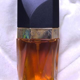 エスティローダー(Estee Lauder)のエスティローダー 香水 ノウイング  オードパルファム スプレータイプ 30m(香水(女性用))