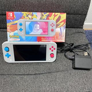 ニンテンドースイッチ(Nintendo Switch)のニンテンドー Switch ライト(携帯用ゲーム機本体)