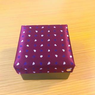 タケオキクチ(TAKEO KIKUCHI)のTAKEO KIKUCHI(タケオキクチ)ネクタイピンの箱   ギフトボックス(ネクタイピン)